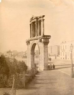 Hadrian's Arch in Athens (around Greece Pictures, Old Pictures, Old Photos, Vintage Photos, Athens Hotel, Athens Greece, Historical Sites, Historical Photos, Athens History