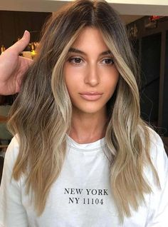 If you are searching for rare shades of blonde balayage hair colors then we are here give you sensational ideas of hair colors right now. In this post you can see fantastic images of blonde and balayage hair colors combinations to polish your hair colors. Brown Ombre Hair, Brown Blonde Hair, Light Brown Hair, Brown Hair Colors, Brunette Hair, Blonde Dark Roots, Fall Blonde, Fall Hair Colors, Brown Hair Balayage