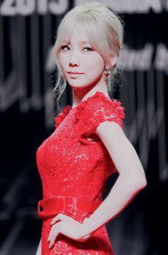 Photo album containing 19 pictures of Taeyeon Snsd, Seohyun, Girls Generation, Korean Girl Groups, South Korean Girls, Taylor Swift, Asian Woman, Asian Girl, Blonde Asian