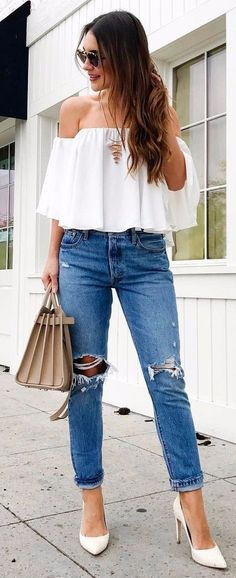 what to wear with ripped jeans to work