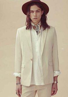 #youcancallmehitch #barneybarrett #minimalism #fashion #style #bandana #malemodel #barney_barrett