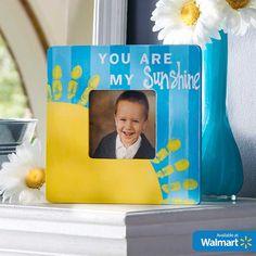 Make a sunshine frame with fingerprints! Cutest Mother's Day keepsake gift idea ever. Find Apple Barrel and all the DIY supplies at @Walmart #plaidcrafts