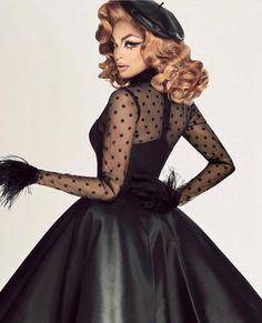 Valentina • RuPaul's Drag Race • Season 9 Miss Congeniality