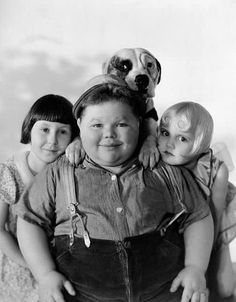 Vintage Children Photos, Vintage Photos, Old Hollywood Stars, Classic Hollywood, Little Rascals Quotes, Kids Comedy, Classic Comedies, Tv Couples, Child Actors