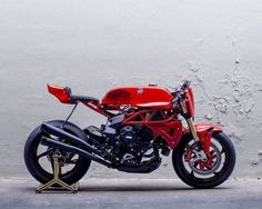 MV Agusta Cafe Racer Brutale AgoTT by Deus Ex Machina
