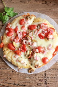 Homemade Stove top Pizza Calzone, no need to heat the house with this fast, easy and delicious summertime Italian pizza and calzone recipe. Italian Dishes, Italian Recipes, Italian Cooking, Healthy Food Choices, Healthy Recipes, Healthy Pizza, Savoury Recipes, Great Recipes, Dinner Recipes