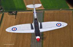 Spitfire Mk XIX PS915