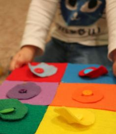 School Time Snippets: Kandinsky Inspired #Felt Button Board {Fine Motor Friday}