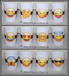Resultado de imagen para party emoji ideas Cake Table, Birthday Party Decorations, Cupcake Toppers, Party Emoji, Birthdays, Invitations, Mugs, Tableware, Ideas