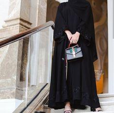 Modesty Fashion, Abaya Fashion, Muslim Fashion, Fashion Dresses, Stylish Hijab, Hijab Chic, Abaya Designs, Kurti Designs Party Wear, Mode Abaya