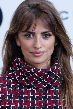 Penelope Cruz Photos - Penelope Cruz Presents Her New Cinema Project at Viceroy Headquarters - Zimbio