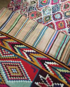 It's all one big beautiful maze this life of ours. So get your walking shoes on....(#rugs online in the #mmontaguesouk)