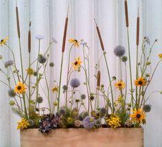 Arrange flowers like a pro - Dandelion Ranch Floral Arrangements Flower Arrangement Designs, Flower Designs, Floral Arrangements, Ikebana, Fresh Flowers, Dried Flowers, Beautiful Flowers, Pro Flower, Flower Art