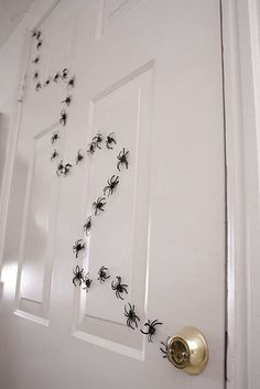 Spider Trail Halloween Decor or Harry Potter Idea. Creative Harry Potter Birthda… Spider Trail Halloween Decor or Harry Potter Idea. Creative Harry Potter Birthday Party Ideas to pull off the best wizard celebration.