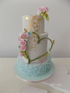 Heart  by MOLI Cakes - http://cakesdecor.com/cakes/257892-heart