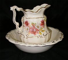 Vintage Pitcher Bowl Set Water Wash Basin White Gold w Roses Daisies | eBay