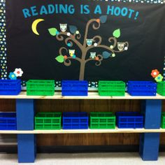Library Bulletin Board~could do this with my red/black/white colors
