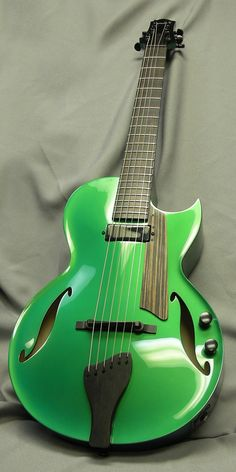 Benedetto Guitars, Andy Model in Emerald Pearl