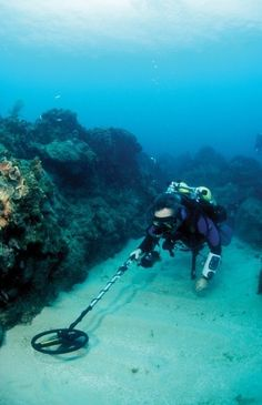 Underwater Metal Detecting Brings Lost Antiques to the Surface – DeeperBlue.com