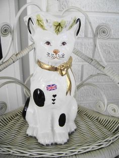 """CAT PITCHER  """"ROYALE STRATFORD, RUSHTON STAFFORDSHIRE FIGURE COLLECTION ENGLAND"""