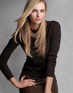 Valentina for RL :Ultimate Cashmere: Ralph Lauren women's cashmere is knit in Italy by master artisans, who, working with the finest fibers, employ an exclusive spinning and finishing process Ralph Lauren Black Label, Ralph Lauren Tops, Pretty Outfits, Beautiful Outfits, Valentina Zelyaeva, Top Luxury Brands, Ralph Lauren Collection, Jackets For Women, Clothes For Women