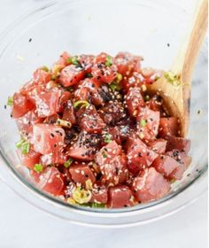 Ahi Poke Bowls with Pineapple and Avocado. - How Sweet Eats ahi poke bowl with avocado and pineapple Sushi Comida, Seafood Recipes, Cooking Recipes, Asian Recipes, Healthy Recipes, Fresh Tuna Recipes, Tuna Steak Recipes, Keto Recipes, Ahi Tuna Poke