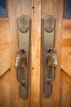 Door latch - Horse barn www.kingbarns.com