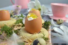 ABOUT VERENA : Osterleckerei: Ostereier gefüllt mit Quarkcreme auf Briochenestchen / Cheesecake Filled Easter Eggs on a Brioche