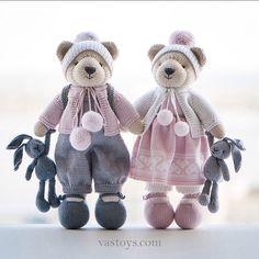 toys by Vasilisa Romanova ( Animal Knitting Patterns, Stuffed Animal Patterns, Doll Patterns, Knitted Dolls, Crochet Dolls, Knitting Projects, Crochet Projects, Knitted Teddy Bear, Little Cotton Rabbits