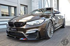 Jenseits der gewöhnlichen Farb-Palette für den BMW M4 bietet BMW Individual zahlreiche weitere Möglichkeiten, um den Mittelklasse-Sportler in der eigenen L