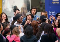 Ian Somerhalder Photos - Ian Somerhalder and girlfriend Nina Dobrev enjoy a romantic stroll in Paris. The couple took pictures of each other as they checked out the sights before Ian was mobbed by a large group of girls. - Ian Somerhalder Photos - 2233 of 2650
