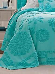 Chenille Bedspread ~ all my aunts had them! Azul Tiffany, Tiffany Blue, Shades Of Turquoise, Aqua Blue, Shades Of Blue, Chenille Bedspread, Teal Bedspread, Aqua Bedding, Girl Bedding