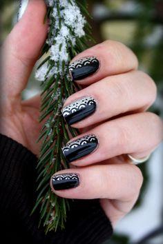 IsaDora Lace Nail Art