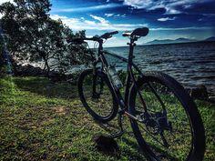 Floripa! #love  #strava #pedal #mtb #ciclismo #bike #ascombai #italiabrasil #florianopolis #voltadailha #ilhadamagia #beach #praias #floripa #cicloturismo #happy #7voltaailhadebike #bike #bikers #island #nature #natureza #paz #adventure #aventura #santacatarina #mountainbike #nqfs #lifestyle #lifestyle