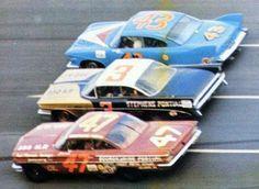 1960 Daytona 500 – Three wide with Jack Smith Bobby Johns and Richard Pe… 1960 Daytona 500 – Three wide with Jack Smith Bobby Johns and Richard Petty Related. Nascar Race Cars, Old Race Cars, Sports Car Racing, Us Cars, Auto Racing, Richard Petty, King Richard, Real Racing, Daytona 500