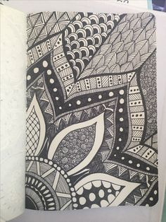 40 Simple and Easy Doodle Art Ideas to Try Easy Doodle Art, Doodle Art Drawing, Cool Art Drawings, Zentangle Drawings, Art Drawings Sketches, Pencil Art Drawings, Zentangles, Dibujos Zentangle Art, Mandala Doodle