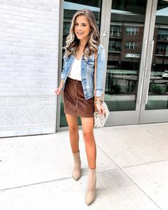 Stylish Corduroy Skirt For Fall. (The Dainty Darling) Fall Skirts, Cute Skirts, Chic Outfits, Spring Outfits, Modest Outfits, Winter Outfits, Fashion Models, Women's Fashion, Fashion Hacks