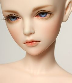 ITEM VIEW : Auction - JID Girl Cecile
