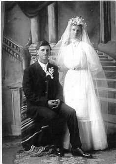 Chic Vintage Brides, Vintage Weddings, Vintage Photographs, Vintage Photos, Marry Me, Old Photos, Wedding Gowns, Wedding Photos, Vintage Fashion