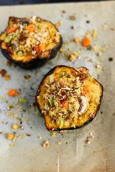To make this leek & mushroom couscous stuffed squash, we're going to start by filling our grocery baskets with ingredients from our Fall Grocery Guide: Acorn squash Leeks Mushrooms Carrot… Fall Recipes, Holiday Recipes, Whole Food Recipes, Delicious Vegan Recipes, Vegetarian Recipes, Bbq Tofu, Stuffed Squash, Fall Dishes, Vegan Main Dishes