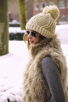 Apres ski outfit #vestswomens