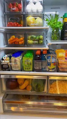Refrigerator Organization, Kitchen Cabinet Organization, Home Organization Hacks, Organizing Your Home, Fridge Decor, College House, Starter Home, Dream Home Design, Staying Organized