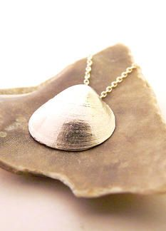 Clam Shell Necklace. Silver jewelry inspired by nature. #silver #necklace