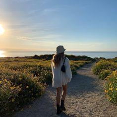 Matilda Djerf Style addict Outfit pic Outfit fashion Outfits Robe style Outfit t Summer Feeling, Summer Vibes, Shotting Photo, Insta Photo Ideas, Summer Dream, Summer Beach, Jolie Photo, Summer Aesthetic, Plein Air