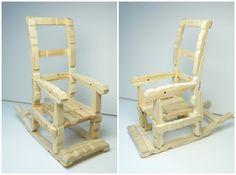 Con pinzas de la ropa podrás hacer esta creativa silla mecedora para muñecas. ¡Tienes que verlo!