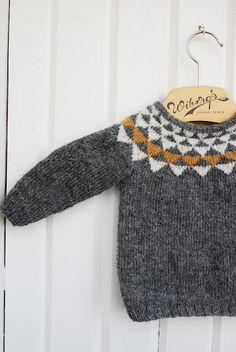 sweater by fröken c - inspired by: http://www.pickles.no/vimpelgenser-med-stripebukse/