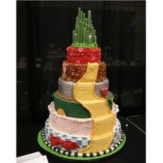 Wizard of Oz wedding cake. I love how each character has their own layer! Wizard of Oz wedding cake. I love how each character has their own layer! Wizard of Oz wedding cake. I love how each character has their own layer! Pretty Cakes, Cute Cakes, Beautiful Cakes, Amazing Cakes, Beautiful Beautiful, House Beautiful, Beautiful Pictures, Crazy Cakes, Fancy Cakes