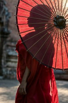 Umbrella Buddha Buddhism, Buddhist Monk, Live Action, Important People In History, Umbrella Photography, Red Umbrella, Vacation Home Rentals, Portrait, African Art