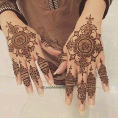 Finger work, just lovely – Henna Mehndi Designs Book, Mehndi Designs For Beginners, Bridal Henna Designs, Mehndi Designs For Girls, Mehndi Design Photos, Mehndi Patterns, Latest Mehndi Designs, Henna Tattoo Designs, Mehndi Images