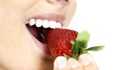 Blanquea tus dientes: http://www.melodijolola.com/moda-y-belleza/remedios-caseros-para-blanquear-los-dientes